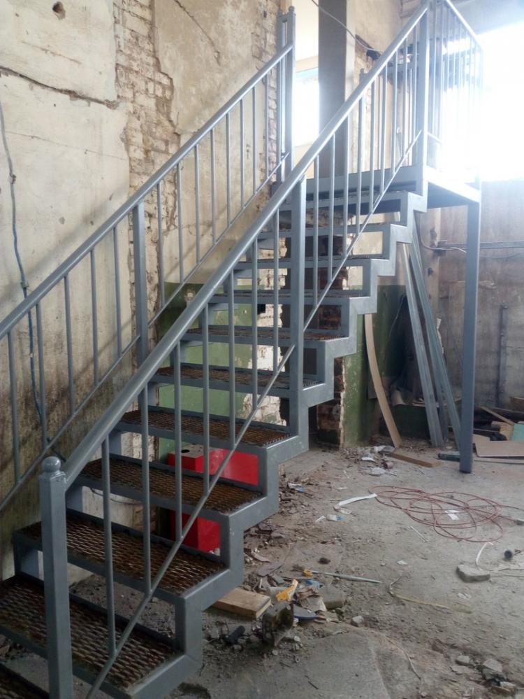 Пожарная лестница  металлическая