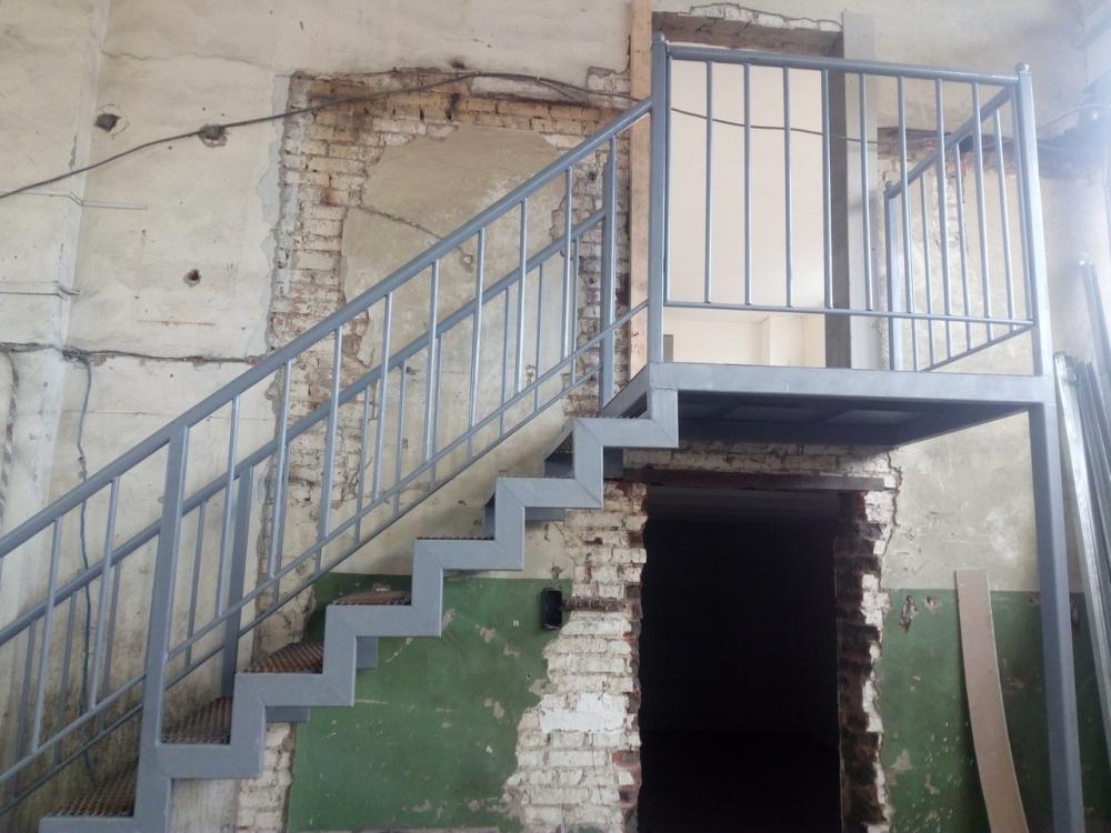 Металлокаркас лестницы цена 80т